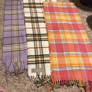Accessories - Set of three acrylic scarves